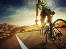 cyklista, cyklistika, bicykel, cesta, šport, bicyklovanie, prilba, hory