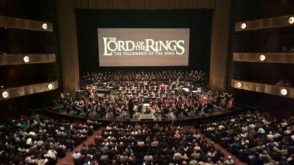 Veľkolepý film Pán prsteňov s veľkolepým hudobným sprievodom