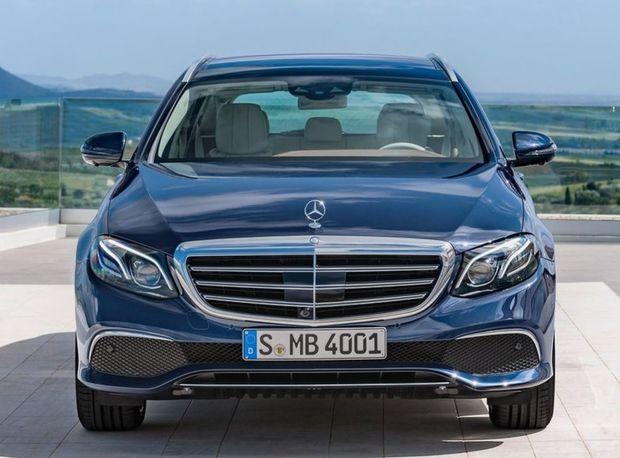 """Prekvapujúca je najmä druhá priečka Mercedesu-Benz. Vlani uskutočnil 29 """"zvolávačiek""""."""