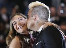 France Cannes The Sea of Trees Spevák Robbie Williams a jeho manželka Ayda Field.Carpet
