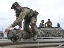 NATO, vojaci