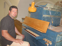 organ, Jaroslav Petro