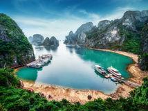 Vietnam, Hạ Long, Dračia zátoka, pláž, more, lode, pobrežie, dovolenka, cestovanie,