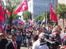 extrémisti, pochod