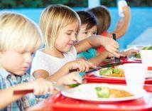 deti, školská jedáleň, obed, jedlo