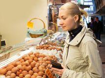 vajíčka, potraviny, žena, obchod