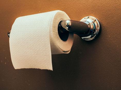 Muskove shortky a toaletn papier nad peniaze - Issue #68 Revue