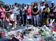 nice, útok, terorizmus, teror, kvety, tragédia, sviečky