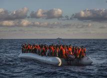 lýbia, migranti, čln