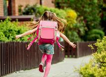 Mnoho školákov sa začne sťažovať na bolesti nôh.