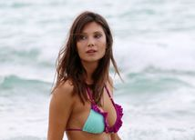 Brazílska modelka Julia Pereira sa predvádzala na pláži v Miami.
