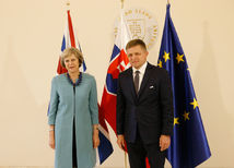 Robert Fico, Theresa Mayová