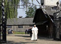pápež František, osvienčim