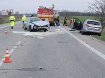 dopravná nehoda, cesty, autá, hasiči