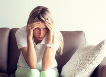 Smútok z rozchodu môže viesť k odmietaniu jedla a nechutenstvu.