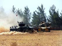 Turecko, tanky, vojaci,