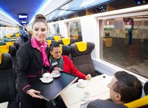 vlak, regiojet, student agency