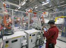 Zamestnanci v slovenskom Volkswagene zvažujú štrajk