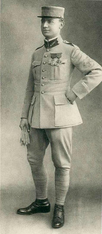 Milan Rastislav Štefánik ako poručík francúzskej armády v roku 1915.