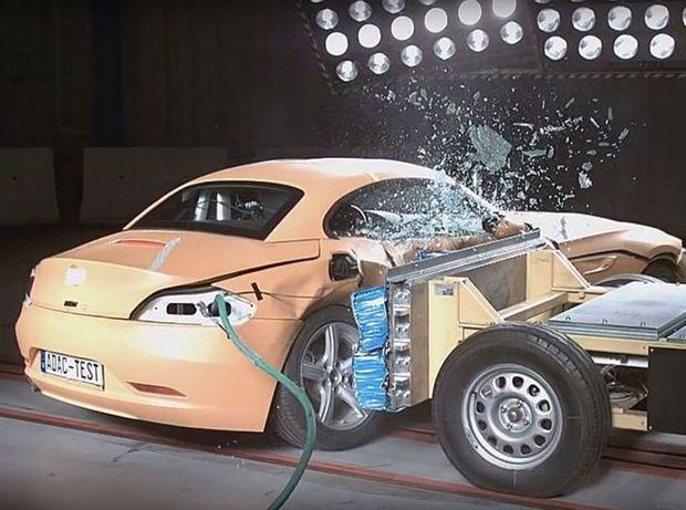 Podobné slabiny ukázal aj roadster BMW Z4.