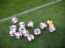 Futbal, lopty, ilustračná