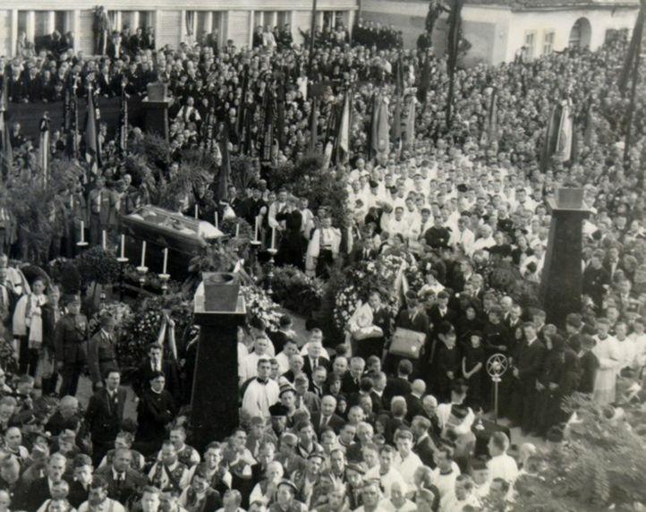 Pohreb Andreja Hlinku 21. augusta 1938 v Ružomberku.