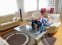 rodina, izba, byt, rodičia, dieťa, obývačka