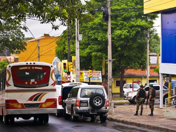 V uliciach hlavného mesta Asunción to vyzerá aj takto.