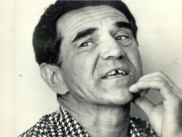 Bývalý šéfredaktor povstaleckej Pravdy Mieroslav Hysko (1917-1977) dostal zakáz publikovať viackrát. Aj v roku 1963, keď jeho ostré slová proti politickej cenzúre odvysielali Slobodná Európa a Hlas Ameriky.