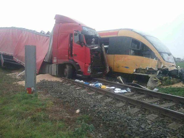 vlak, kamión
