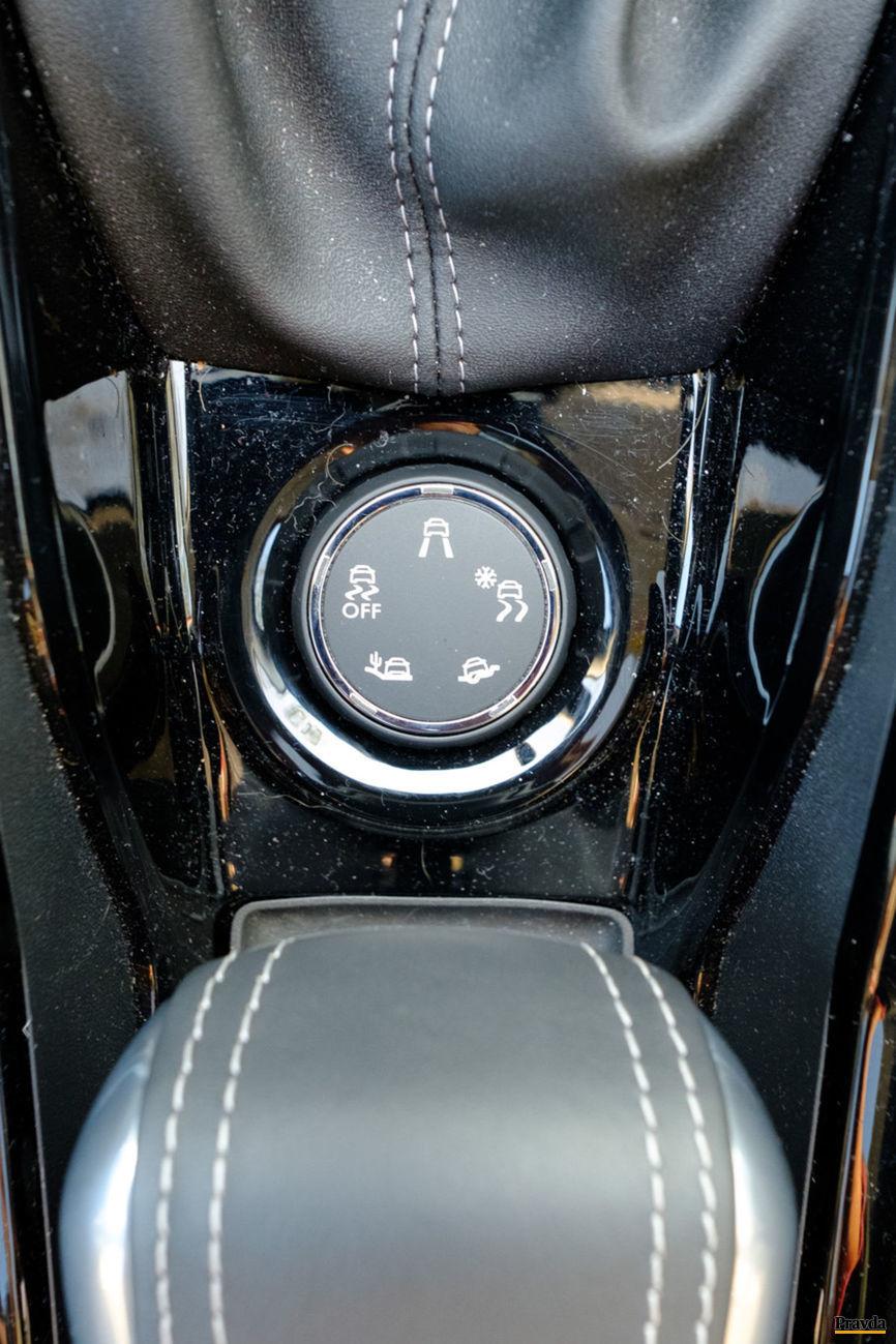 Zmena trakcie predných kolies dokáže pomôcť v sťažených podmienkach.