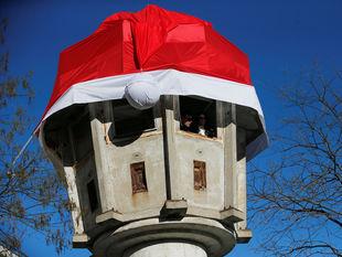 Vianoce, strážna veža, mikulášska čiapka, Santa Claus