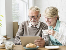 dôchodcovia, penzie,