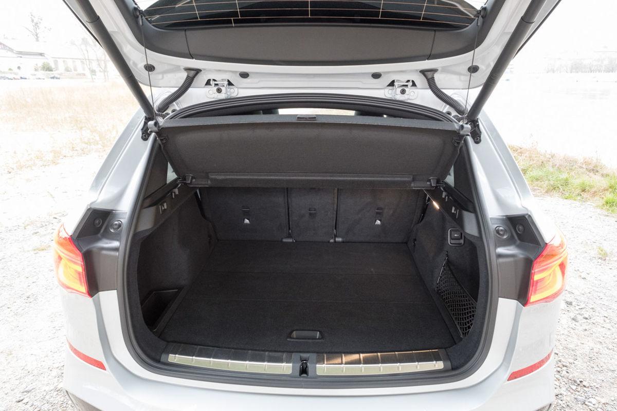 Základný batožinový priestor 505 litrov sľubuje aj praktické využitie auta.