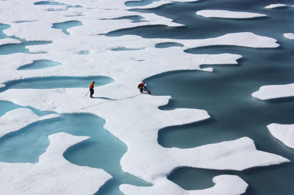 Na oboch póloch je rekordne málo ľadu.