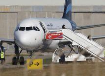 líbya, malta, lietadlo, únos
