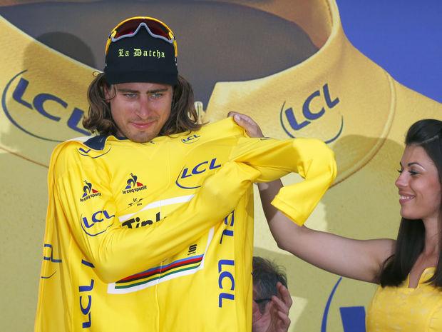 Slovenský cyklista si prvý raz obliekol na Tour de France žltý dres lídra.