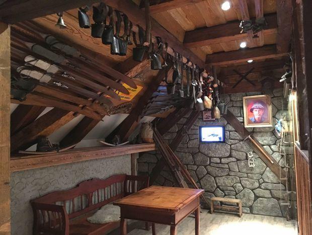 Slovenské múzeum ochrany prírody a jaskyniarstva v Liptovskom Mikuláši - kópia Rainerovej chaty.