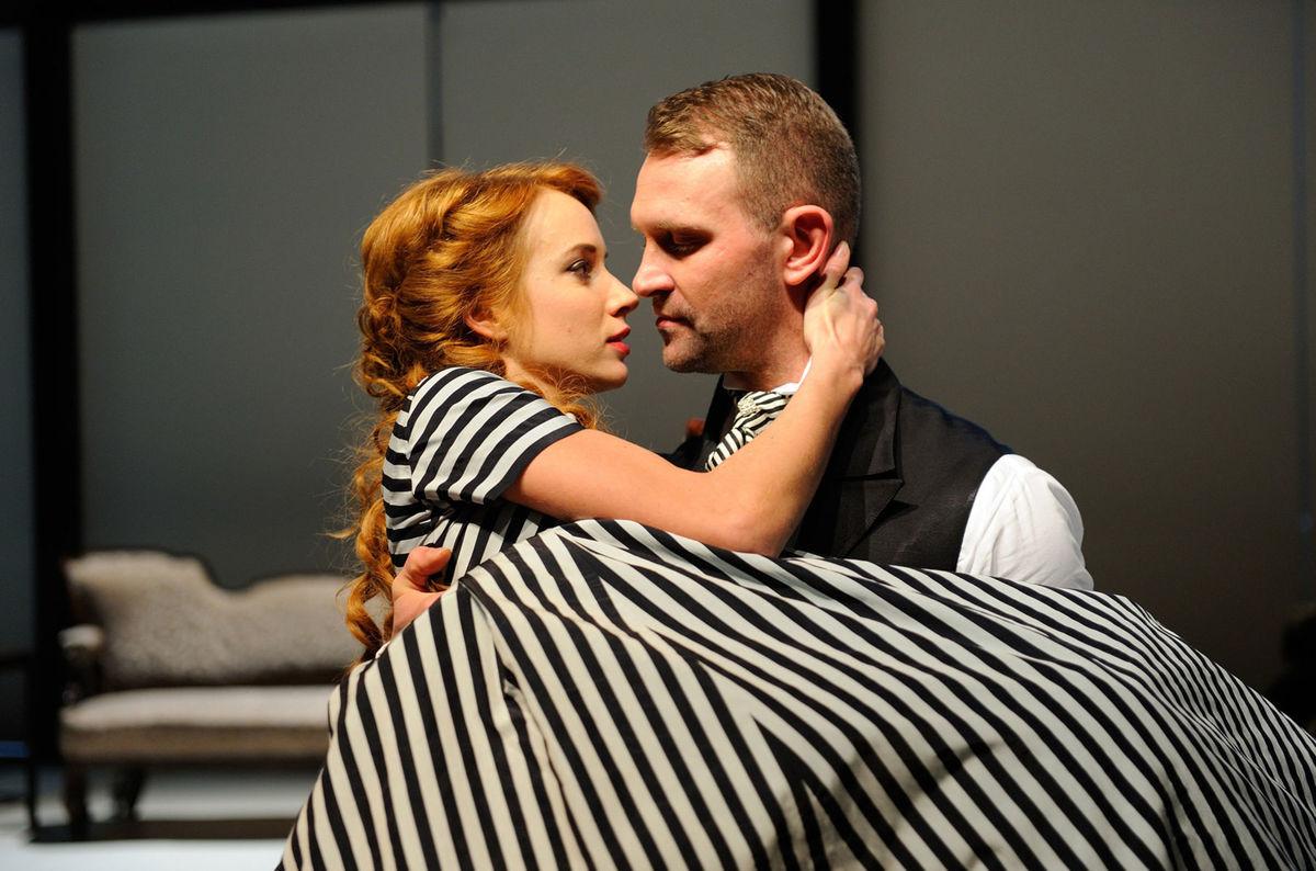 V predstavení Madame Bovaryová s Tomášom Maštalírom.