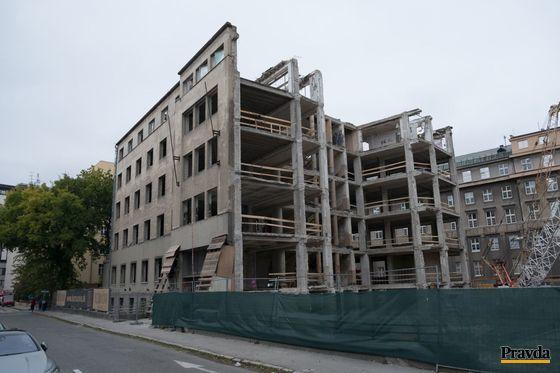 Búranie funkcionalistického skvostu, nemocnice na Bezručovej ulici v Bratislave.