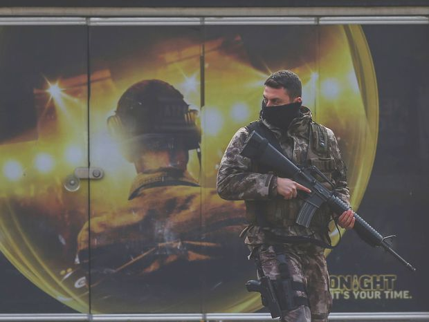 Turecko, útok, vojak, hliadka, Istanbul