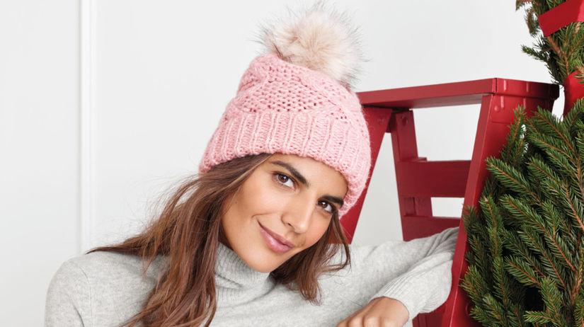 71ace93aeacd Najlepšie módne doplnky na zimu  Aké čiapky či čižmy si vybrať  - Krása a  móda - Žena - Pravda.sk