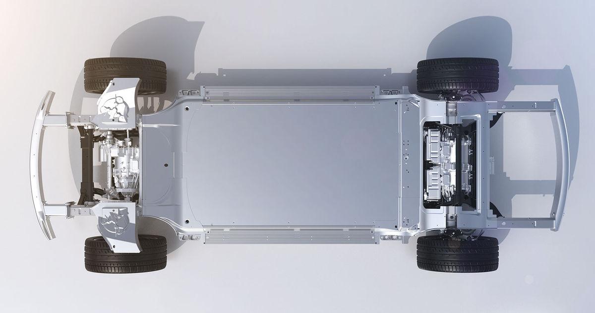 Základom je platforma VPA, ktorá ukrýva dvojicu elektromotorov s výkonom 773 kW a li-ion akumulátory s kapacitou 130 kWh.
