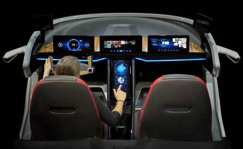 Bosch počíta v autách blízkej budúcnosti s dotykovými displejmi s haptickým ohlasom. Budú schopné meniť štruktúru povrchu a vytvárať pocit, akoby ste stlačili klasické tlačidlo.