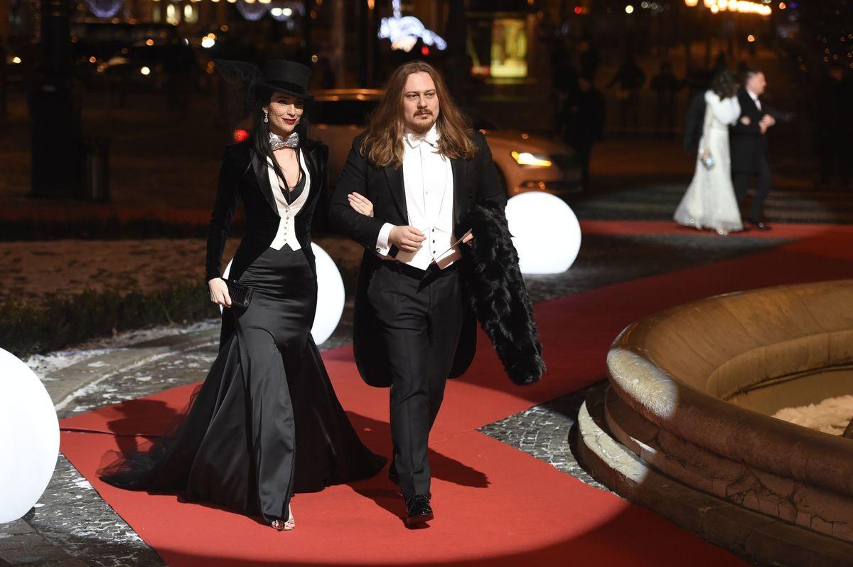 Dizajnér Boris Hanečka a jeho kamarátka Lucia Hablovičová.