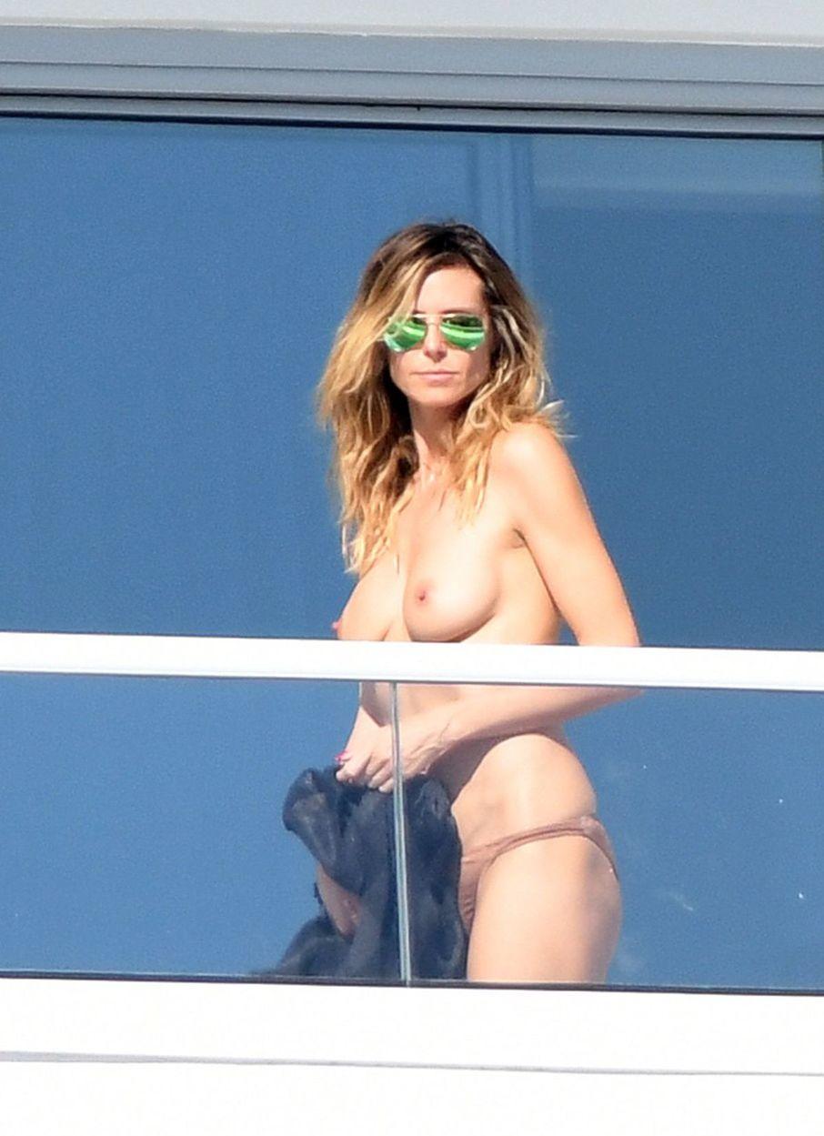 Topmodelka a televízna osobnosť Heidi Klum si užívala slnko v Miami. Aj nahotu.