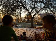 Deti, vidiecky klub, Žitavce, detské ihrisko, východ slnka