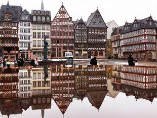 Nemecko, námestie Roemerberg, Frankfurt, domy, drevená domy,