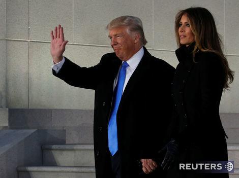 Inaugurácia online: Trump začína modlitbou a čajom u Obamu