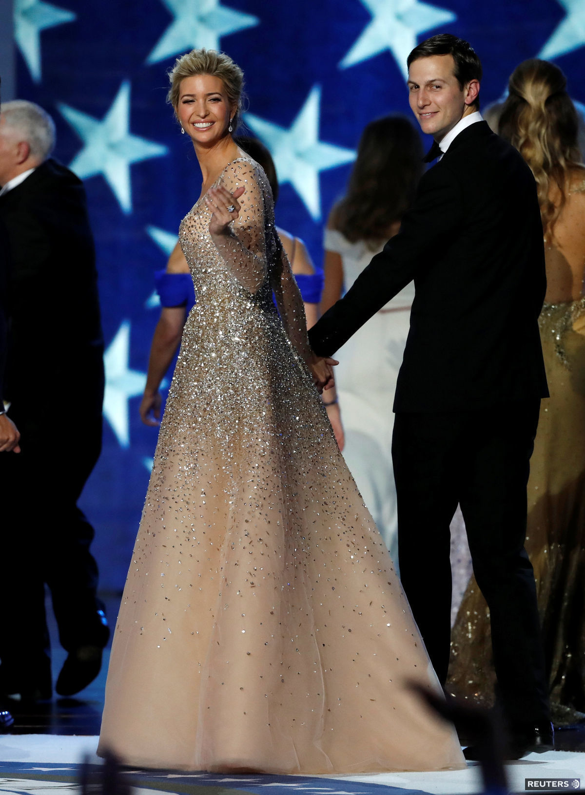 Ivanka Trump a jej manžel Jared Kushner, ktorý bude hlavným poradcom prezidenta Donalda Trumpa, na inauguračnom bále.